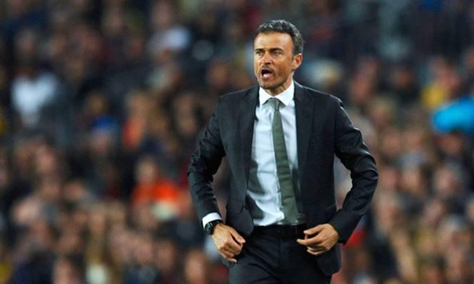 Barca: Tái cơ cấu từ hàng tiền vệ