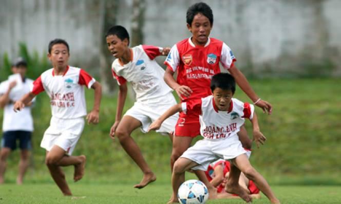 Các CLB lớn lên kế hoạch mở học viện bóng đá tại Việt Nam