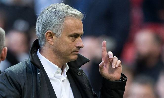 Mourinho tuyên bố đầy bất ngờ trước thềm đại chiến Liverpool vs MU