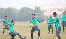HLV Riedl bất ngờ dễ tính, cầu thủ Indonesia tươi rói ở Mỹ Đình
