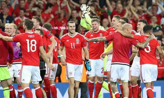 Quật ngã Gấu Nga, Bale 'nổ' vang trời