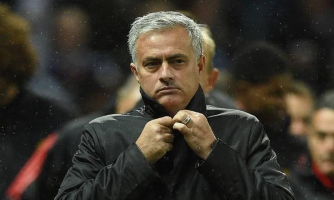 Không được tăng lương, Jose Mourinho vẫn gia hạn hợp đồng với Man Utd