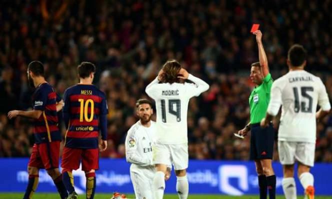 Trọng tài bắt chính trận 'Siêu kinh điển': Real méo mặt, Barca hớn hở
