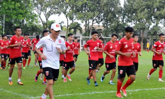 NÓNG: Đội bóng 'thảm họa' V-League 2017 trước nguy cơ giải tán