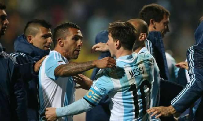 Đồng đội bênh vực Messi, chỉ trích LĐBĐ Argentina