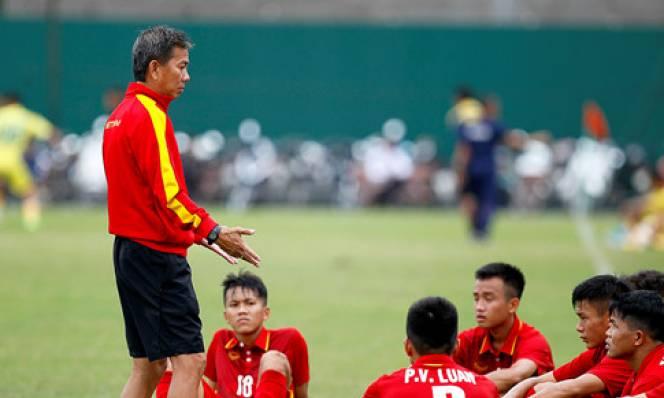 Thua đậm U.21 Hà Nội, HLV Hoàng Anh Tuấn nổi giận với U.19 Việt Nam