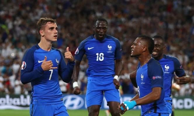 Tuyển Pháp dính nghi án dùng Doping trước trận gặp Đức