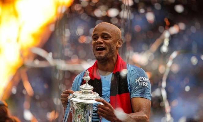 Kompany chia tay Man City sau khi lên ngôi vô địch FA Cúp
