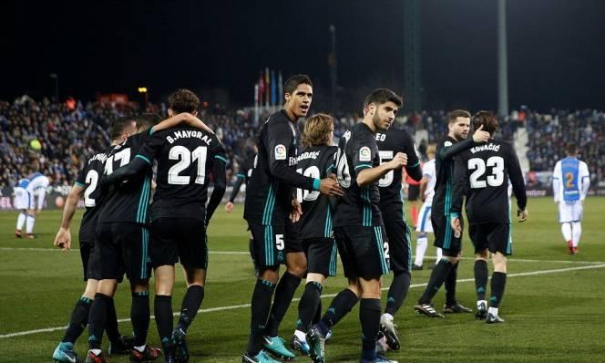 Asensio lập siêu phẩm phút chót, Real Madrid đặt một chân vào bán kết Cúp Nhà Vua