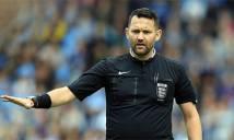 Trọng tài ở Anh bị treo còi vì quyết định cực nhảm