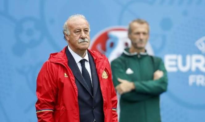CĐV Tây Ban Nha ủng hộ HLV vô danh thay Del Bosque