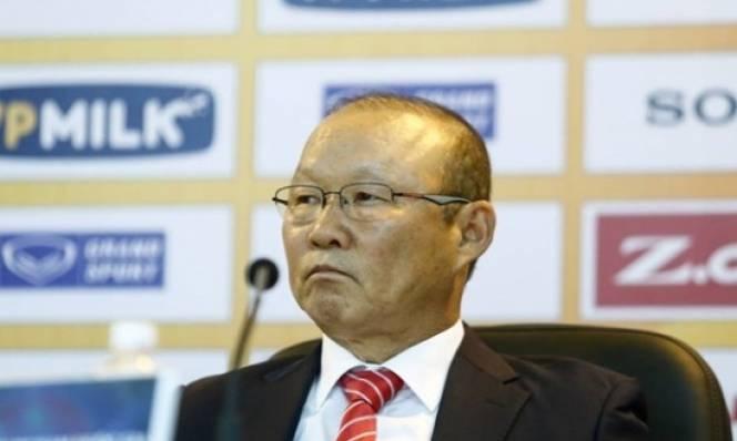 HLV Park Hang-seo tuyên bố thả cửa 'chuyện ấy' cho các cầu thủ, giải thích biệt danh 'Người ngủ gật'