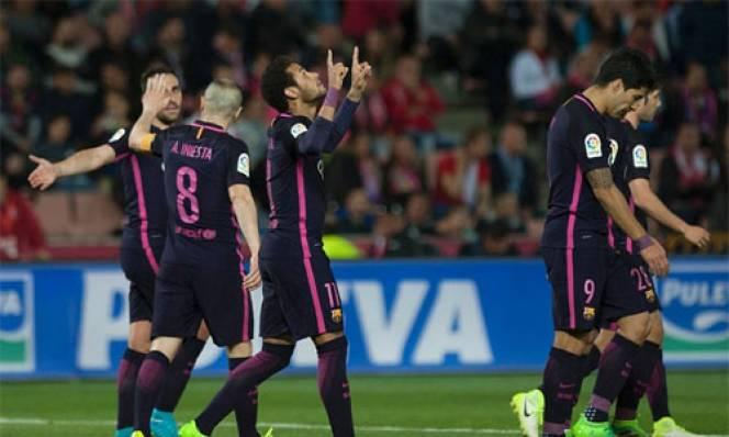 Neymar cán mốc 100 bàn cho Barcelona