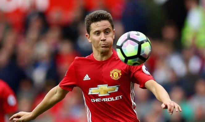 Đội trưởng Man United tiếp theo: Tinh thần Herrera hay đẳng cấp Pogba?