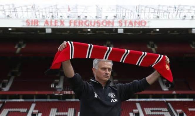 Jose Mourinho xóa sạch tàn dư của Van Gaal
