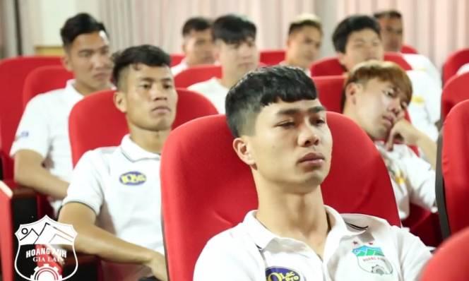 Điểm tin bóng đá Việt Nam sáng 13/03: Lâm