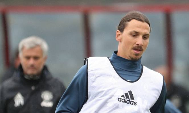Ibrahimovic đầy quyết tâm trong buổi tập đầu ở MU