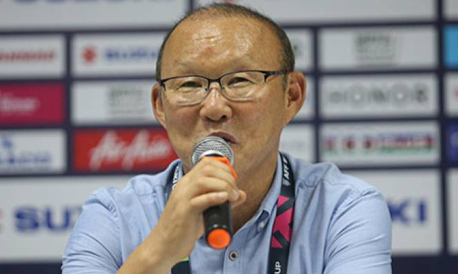 Ông Park Hang Seo tức giận vì trọng tài bù giờ quá ít