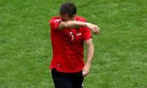 EURO 2016 có thẻ đỏ đầu tiên