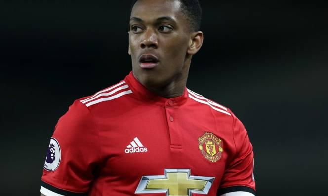 Hết được tin tưởng, sao Man Utd 'đào tẩu' đến đội bóng kình địch
