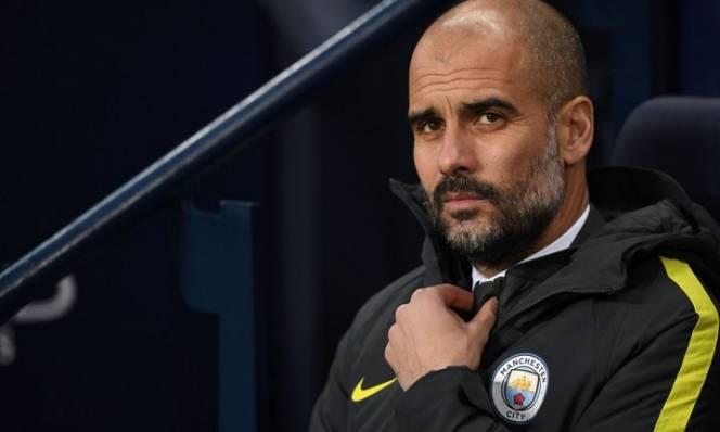 Vá hai cánh có giúp Pep Guardiola vô địch Premier League?