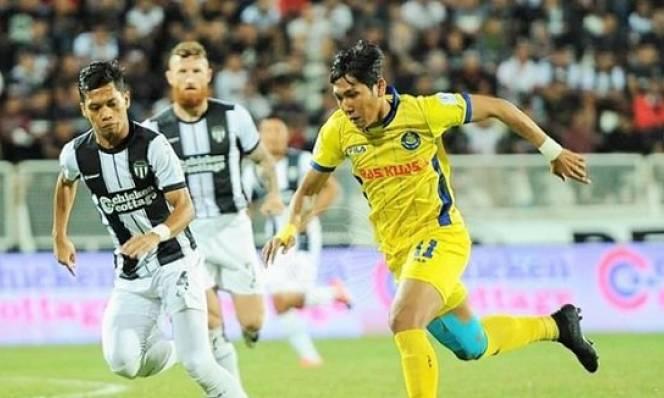 Sợ bị 'lộ hàng' trước AFF Cup, CLB Malaysia sa thải ngôi sao tuyển Campuchia