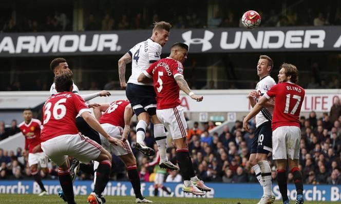 Điểm tin bóng đá tối 15/5: M.U rất gần trung vệ Tottenham