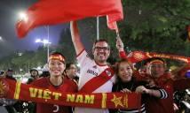 Cả dân tộc tràn ra đường ăn mừng chiến tích lịch sử của U23 Việt Nam