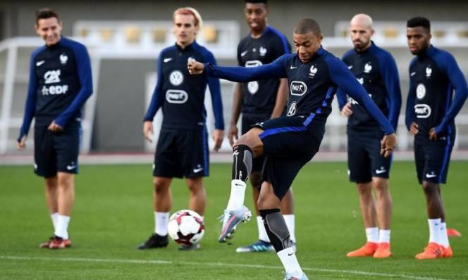 NÓNG: 4 ngôi sao tuyển Pháp không ra sân tập trước trận bán kết World Cup gặp Bỉ