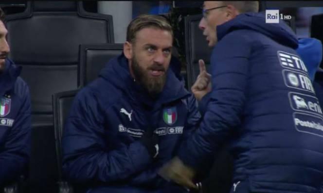 'Thằng ngu, đang cần bàn thắng, cho tôi vào sân làm gì?', De Rossi quát HLV tuyển Italy trong trận gặp Thụy Điển