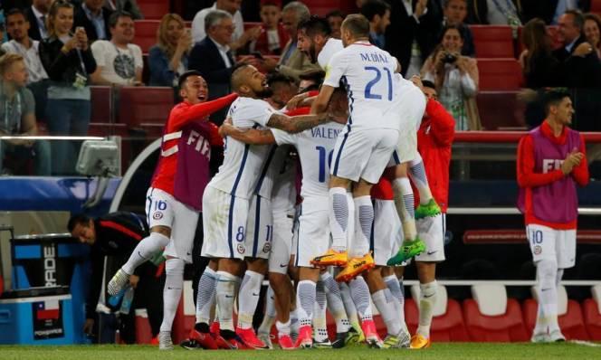 Vidal tỏa sáng, Chile dễ dàng đả bại Cameroon trong ngày ra quân