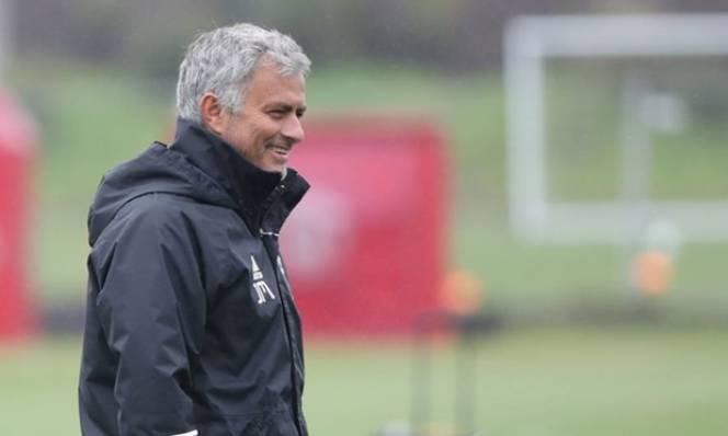 9 cái tên phải 'khăn gói' rời Man Utd