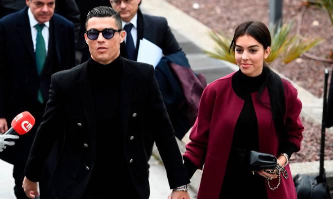 Bạn gái Georgina tiết lộ lý do yêu Ronaldo trên thảm đỏ