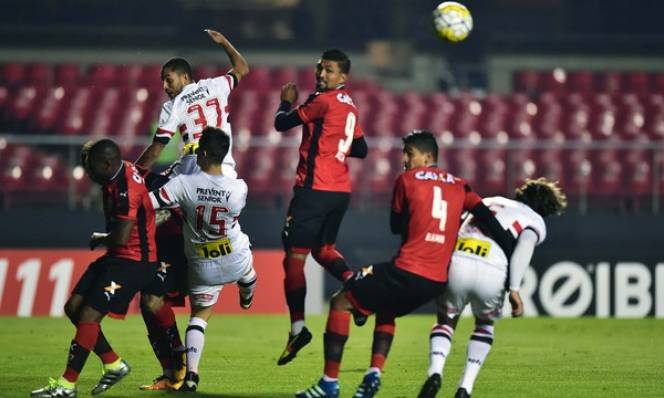 Hasil gambar untuk Sao Paulo vs Vitoria BA