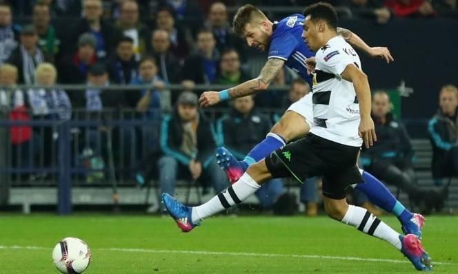 M.Gladbach vs Schalke 04, 03h05 ngày 17/03: Vượt qua Hoàng đế