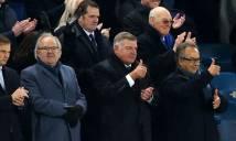 Everton dọn đường đón