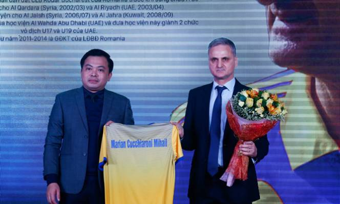 Tân HLV FLC Thanh Hóa không dám hứa sẽ vào tốp 3 V.League