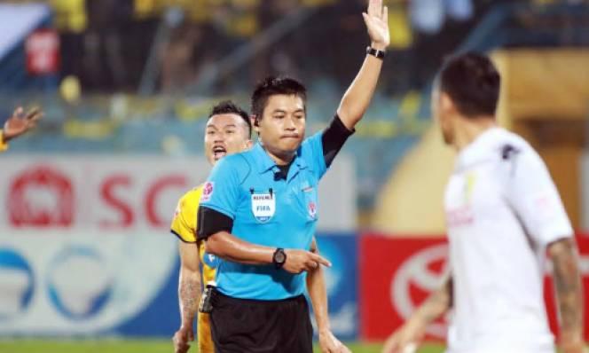 BTC V-League chính thức lên tiếng về tình huống gây tranh cãi trận Hà Nội FC - FLC Thanh Hóa