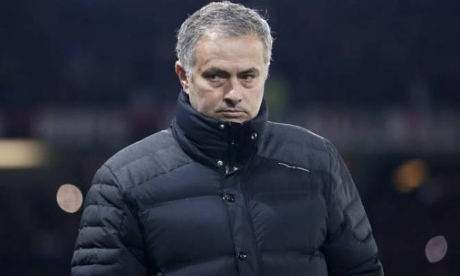 Mourinho lo sốt vó về quyết định của FA sau trận hòa thất vọng
