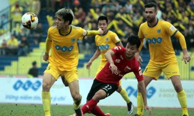 Bất bại tháng 1, FLC Thanh Hóa nhận cú đúp giải thưởng
