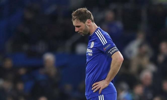Fan Chelsea phấn khởi vì Ivanovic...chấn thương