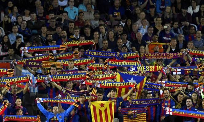CĐV Barca biến Camp Nou thành