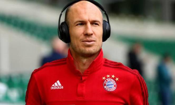 Robben gia hạn thêm 1 năm với Bayern Munich
