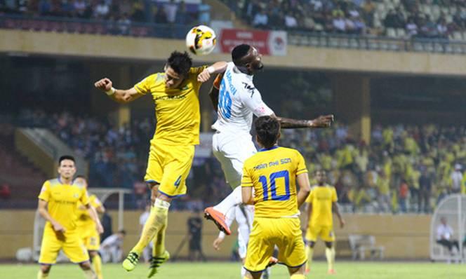HLV Chu Đình Nghiêm hài lòng với thái độ thi đấu của Hà Nội FC