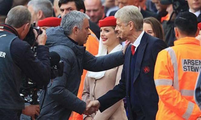 Mourinho 'bất ngờ' hài lòng với các học trò
