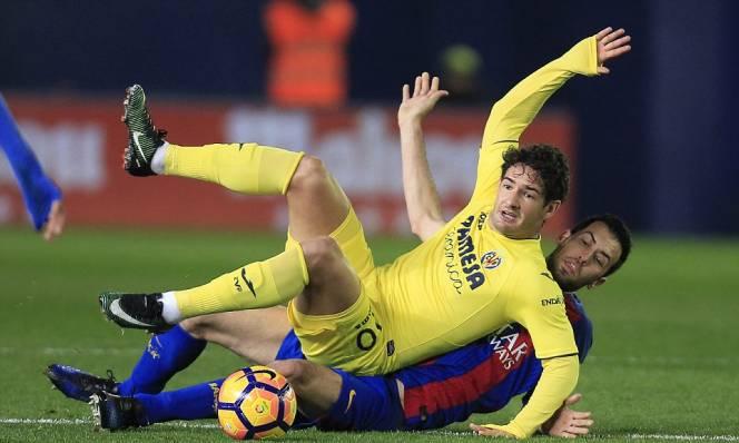 Lạc nhịp ở El Madrigal, Barca tụt xuống thứ 3 La Liga
