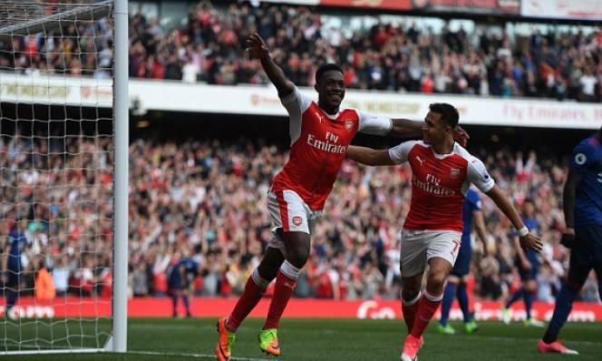 Welbeck lập công, Arsenal chấm dứt chuỗi 25 trận bất bại của M.U