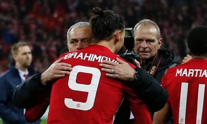 Mourinho: 'Ibra có thể ở lại Man United'