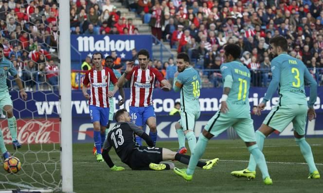 Messi tỏa sáng, Barcelona vượt mặt Real tạm chiếm ngôi đầu La Liga