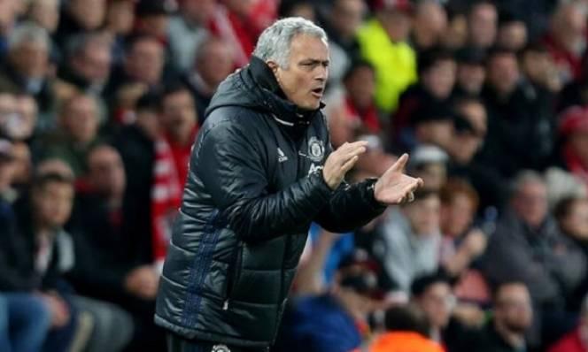 Mourinho ngán ngẩm với Premier League, nài nỉ Big Sam 'nhẹ chân'